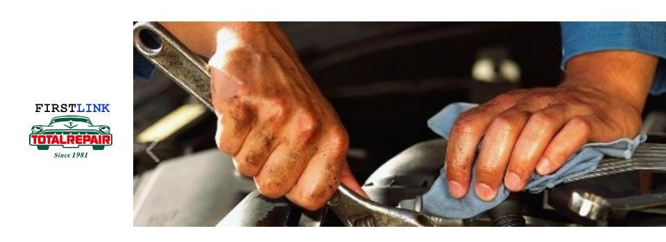 宮崎県都城ICそば、ホイールのガリキズやカラーチェンジ、シートやステアリングの擦れ破れダッシュボード・内張り等の割れ、欠け、穴。カラーチェンジ等々。ホイールリペア・インテリアリペア(修理、補修)ならトータルリペア –FIRSTLINK–へ!バックや靴、ソファー等のリペア(修理、補修)も可能。弊社の業務は出張スタイルが基本となります。もちろん、お預かり施工も可能です。(宮崎・小林・えびの・鹿児島・鹿屋)